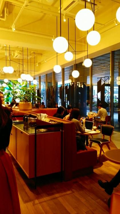 スターバックスコーヒー「新田町ビル店」店内風景